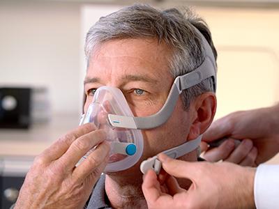 Helmasker-CPAP-maske-søvn-apnea-pasienter-ResMed