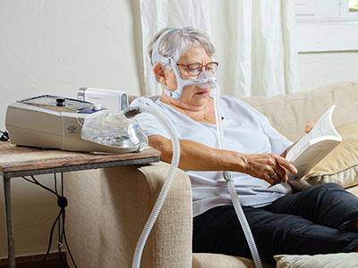pasient-maske-ventilasjon-hjemme-ikke-invasiv-KOLS